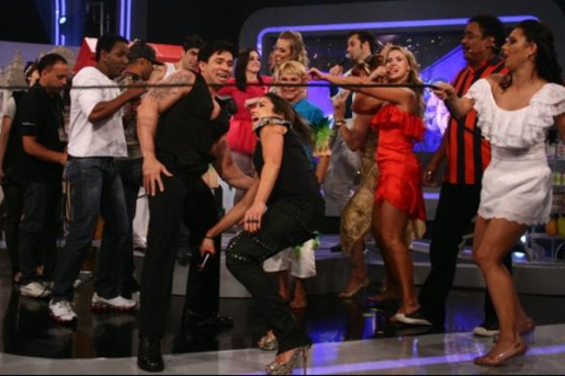 https://noticiasetvbrasil.files.wordpress.com/2013/04/20121009141801.jpg